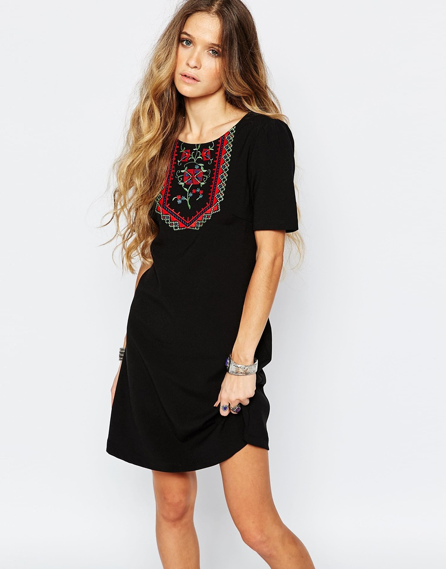 Glamorous Shift Dress with Embroidered Neck 4