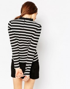 Top With Frill Neck and Long Sleeve in Stripe 1