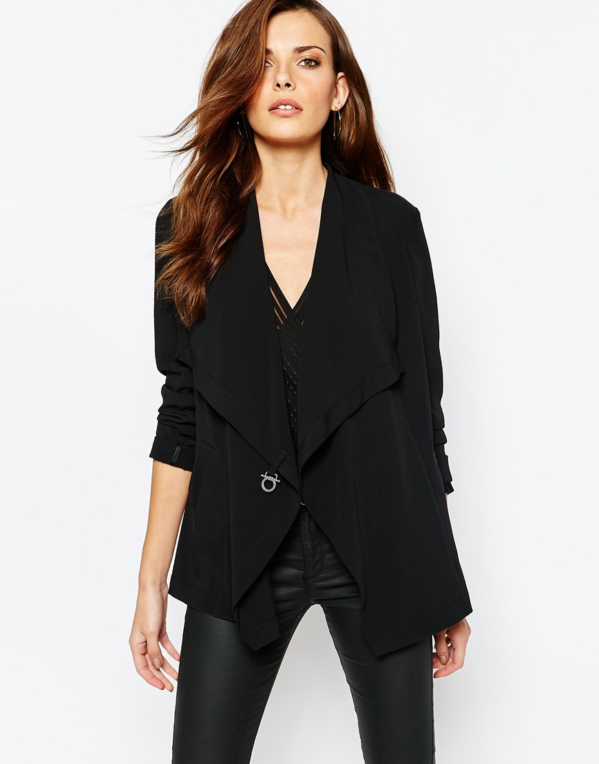 Sisley Blazer With Clasp Detail in Black 1