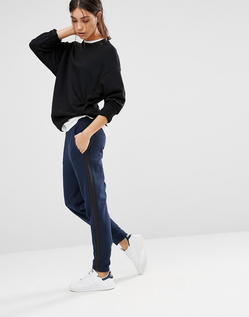 Levi's Tappered Casual Trousers 01