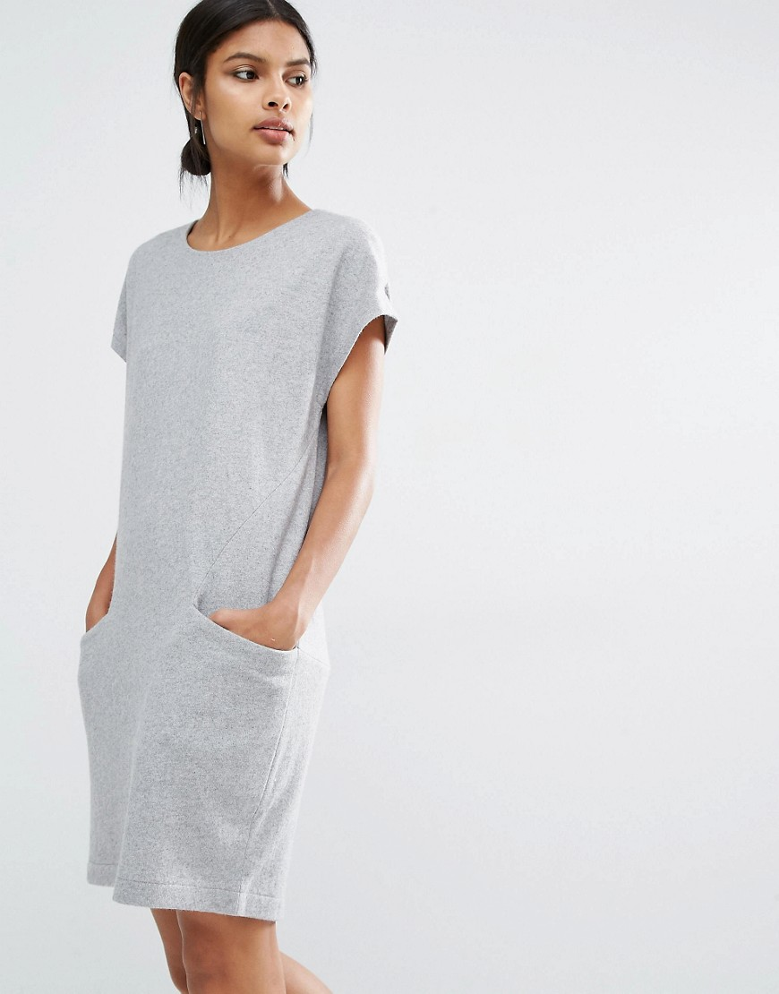 Y.A.S Evita Wool Dress With Oversized Pockets 01