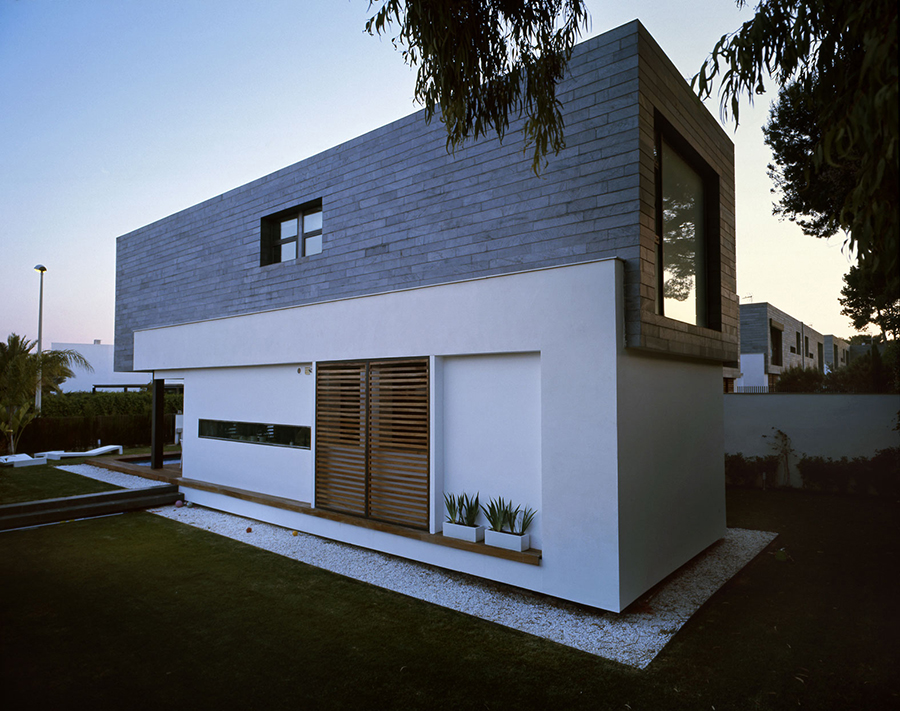 Six Semi-Detached Houses by Antonio Altarriba Comes