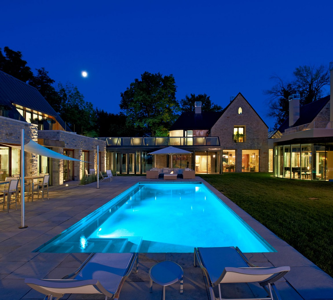 299 Soper Place by Barry J. Hobin + Associates Architects Inc.