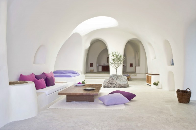 Perivolas Oia Santorini is a stunning hotel located in Oia, on the island of Santorini, in Greece.