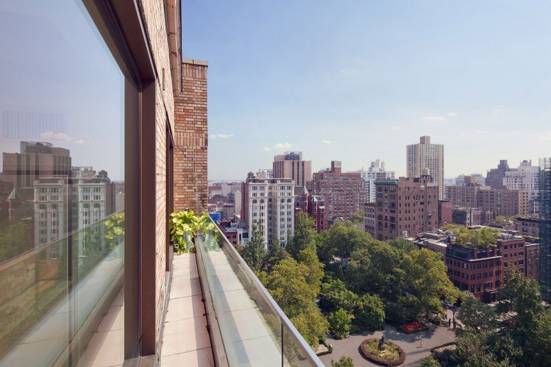 A Penthouse Duplex on Gramercy Park 03