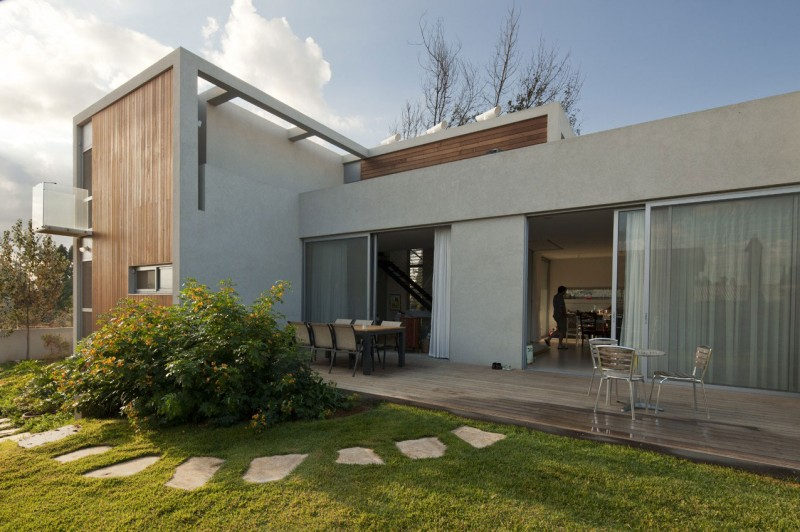 Valley House by Arbejazz Studio Architects 05