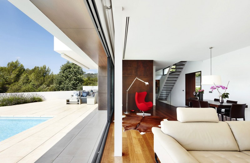 212 House by Alfonso Reina 03
