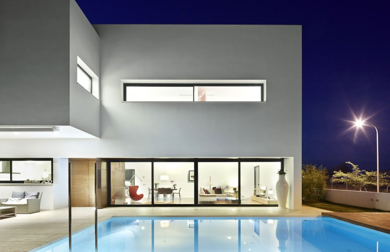 212 House by Alfonso Reina 09