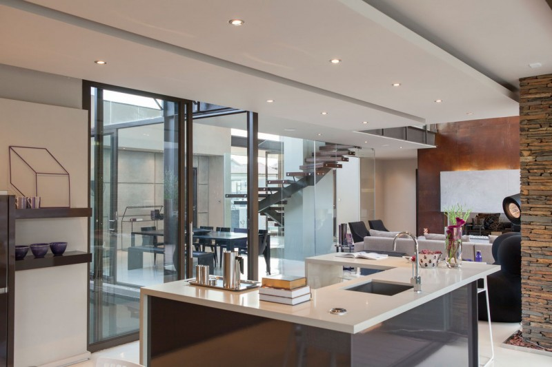 House Duk Meyersdal by Nico van der Meulen Architects 09
