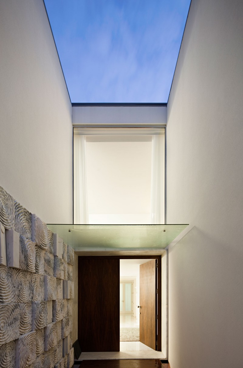 House in Valongo by Atelier Nuno Lacerda Lopes 18