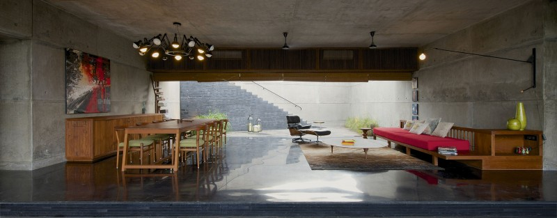 The House Cast in Liquid Stone by SPASM Design Architects 12