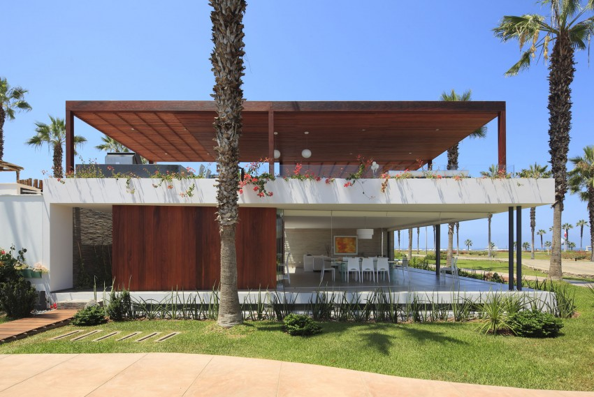 Casa P12 by Martín Dulanto Architect 01