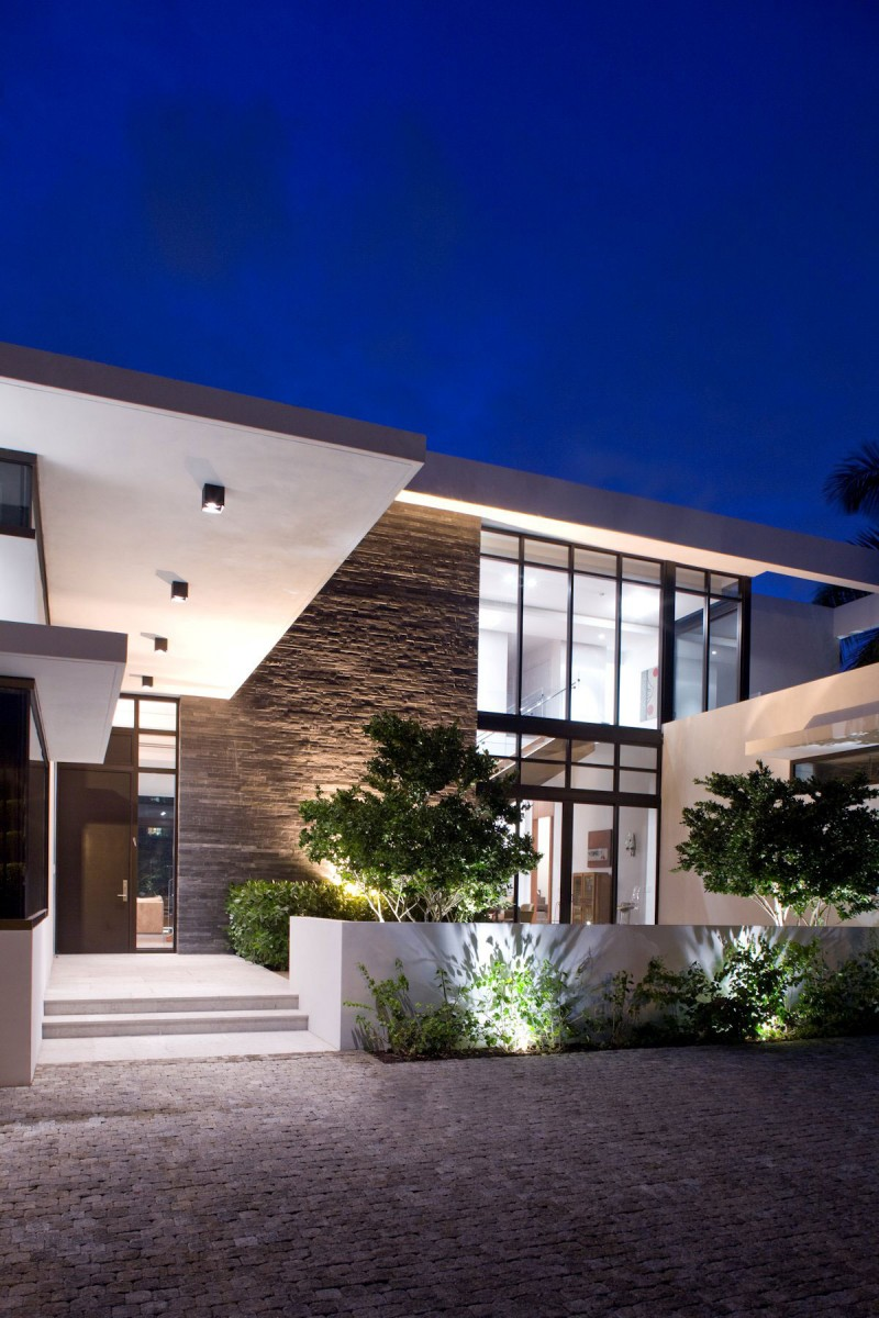 Franco Residence by KZ Architecture 20