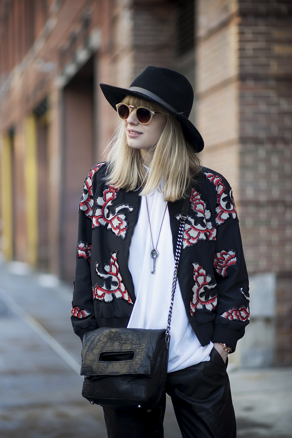TREND Bloggers wearing the bomber jacket 8