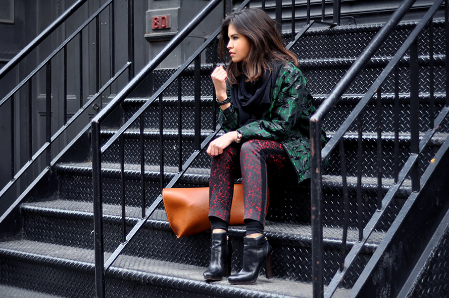 TREND Bloggers wearing the bomber jacket