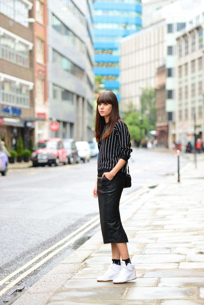 Bloggers wearing the pencil skirt - OOTD Magazine 1