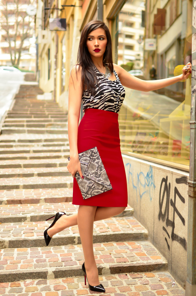 Bloggers wearing the pencil skirt - OOTD Magazine 12