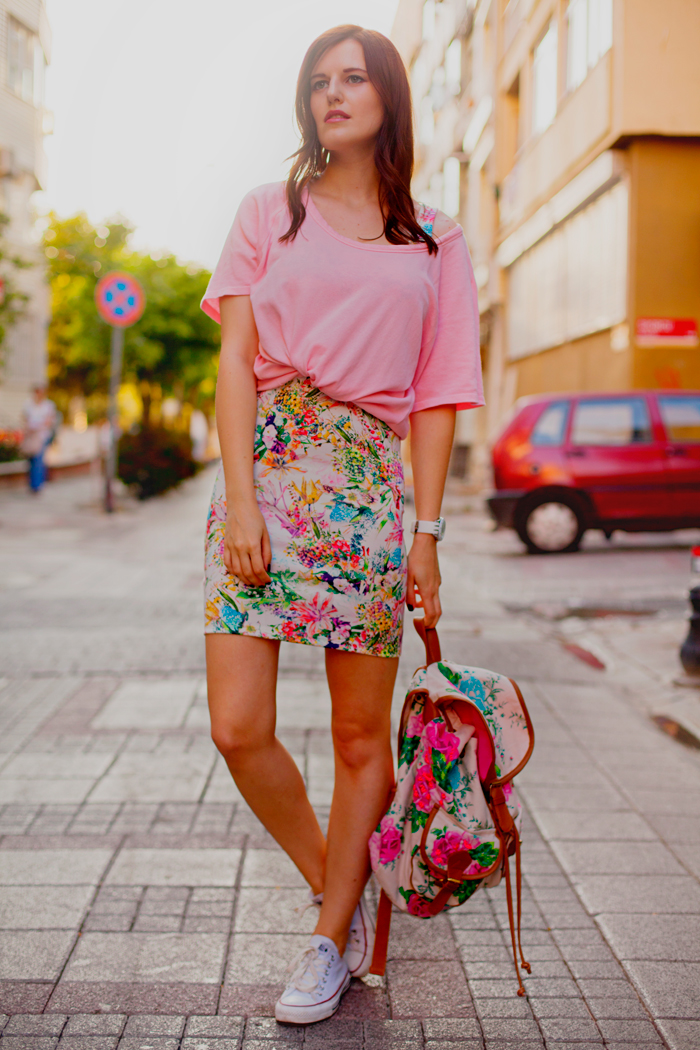 Bloggers wearing the pencil skirt - OOTD Magazine 13