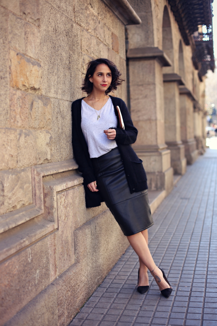 Bloggers wearing the pencil skirt - OOTD Magazine 8