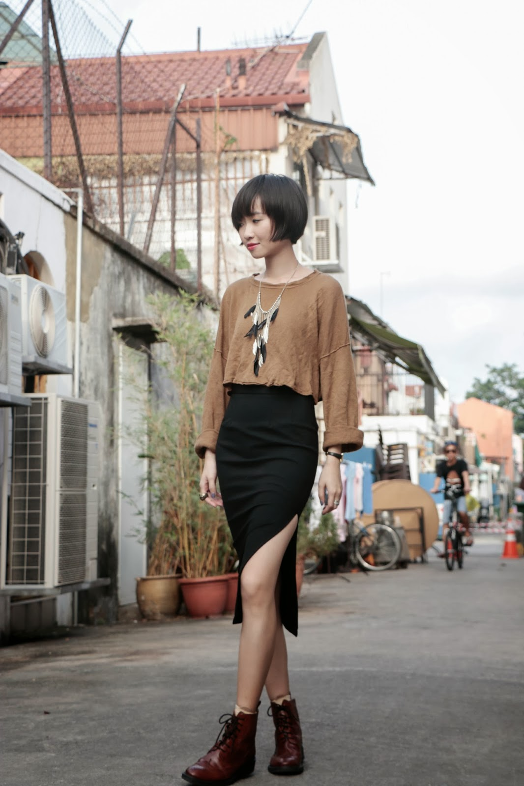 Bloggers wearing the pencil skirt - OOTD Magazine 9