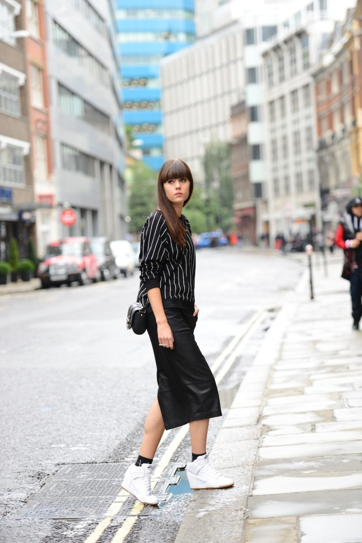 Bloggers wearing the pencil skirt - OOTD Magazine