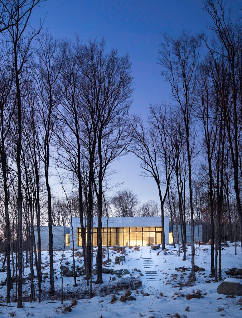 A House In The Woods by William Reue Architecture 14