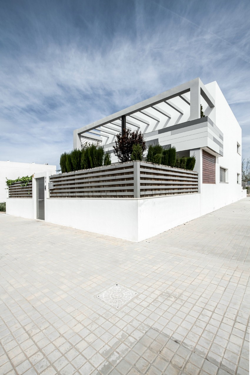 House V02 by Julio Vila Cortell and Viraje Arquitectura 02