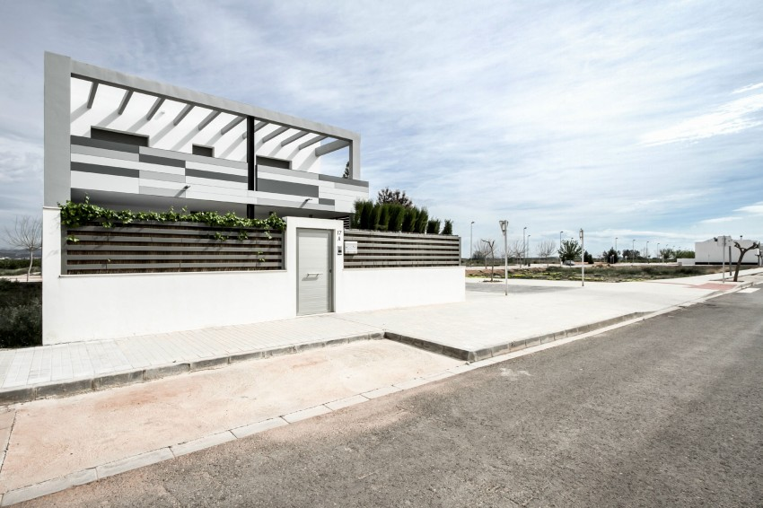 House V02 by Julio Vila Cortell and Viraje Arquitectura 04