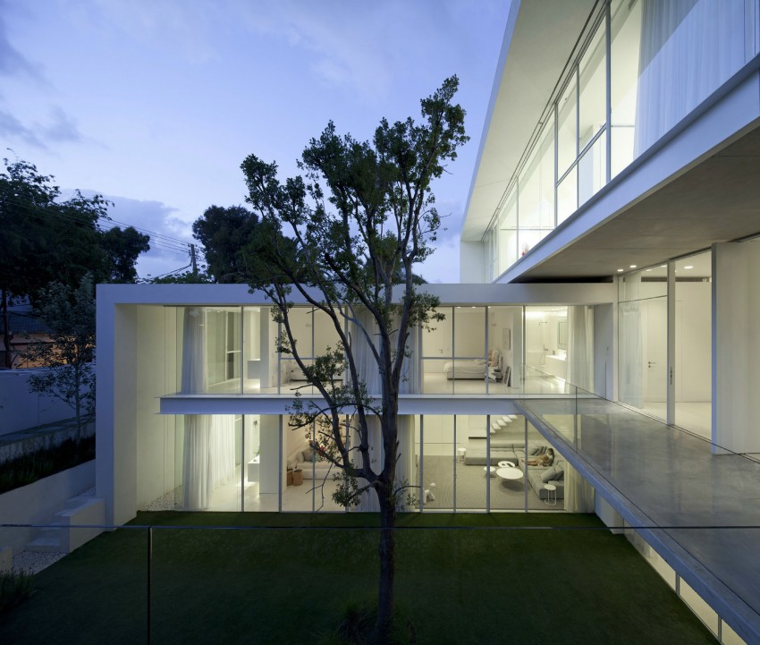 Ramat Hasharon House 13 by Pitsou Kedem Architects 16