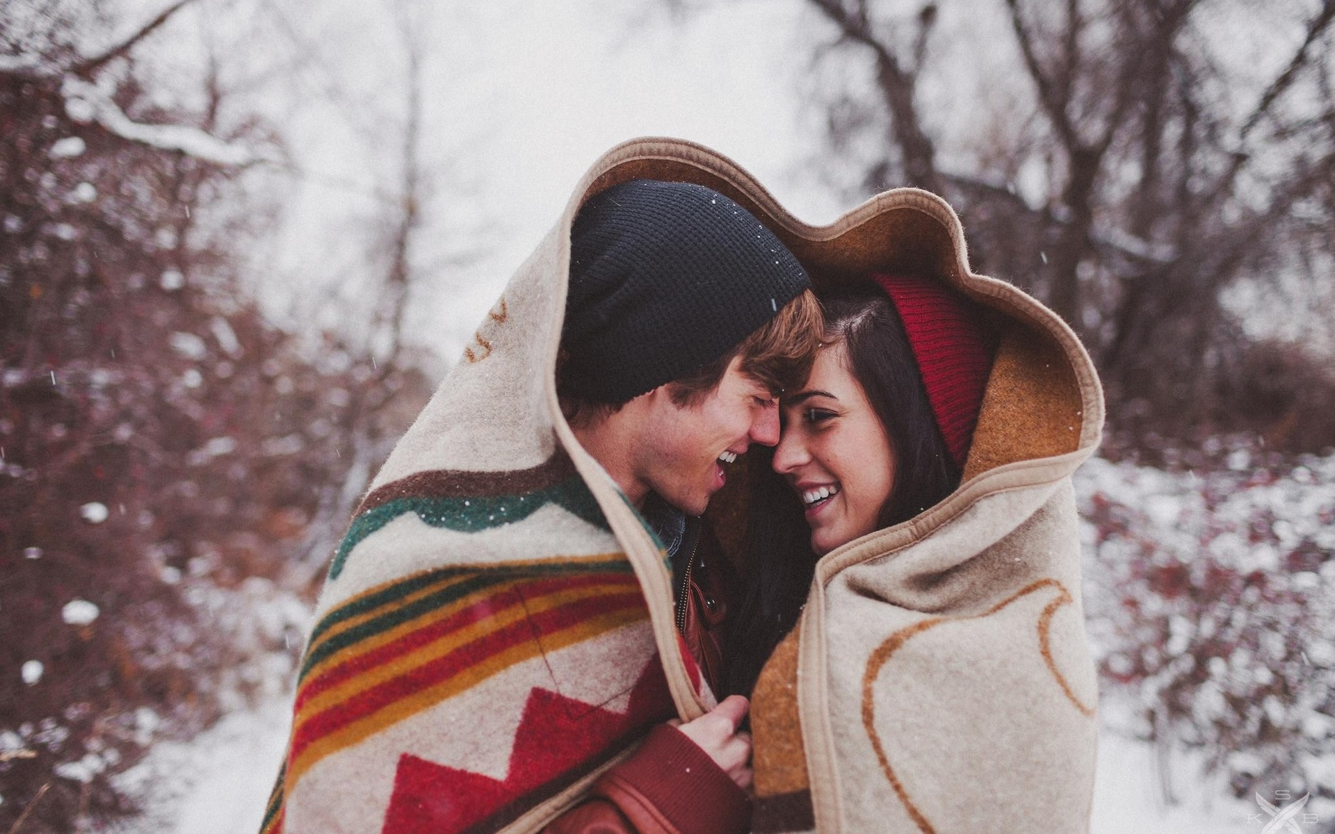 5 Reasons why cuddling is good for you - OOTD Magazine