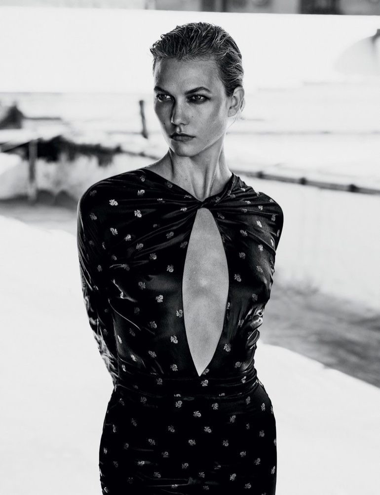 Karlie Kloss Poses For Vogue Mexico 05